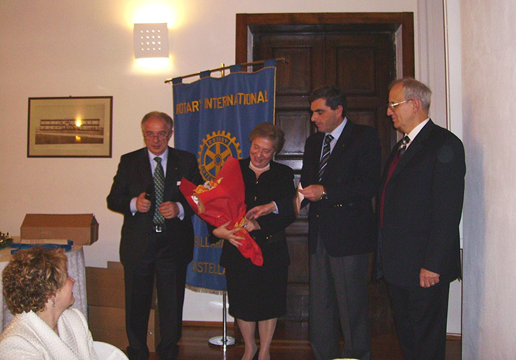 2005_12_16-premio-servire-scuto-harambee-1