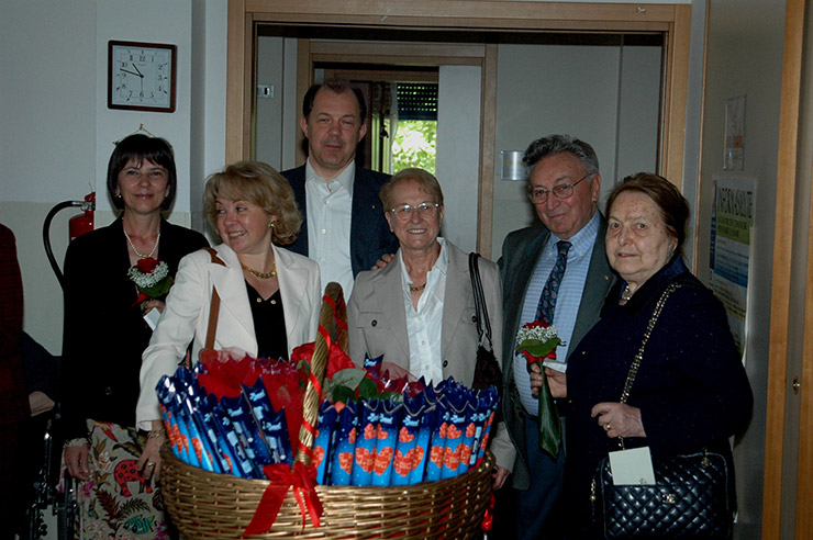 2009_05-casa-di-riposo-festa-della-mamma-7