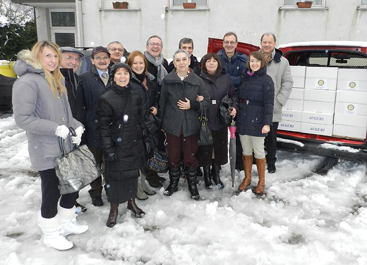 2012_12_15-pacchi-di-natale-4