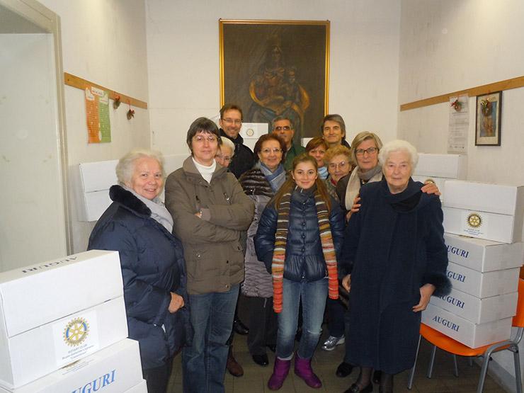 2012_12_15-pacchi-di-natale-7